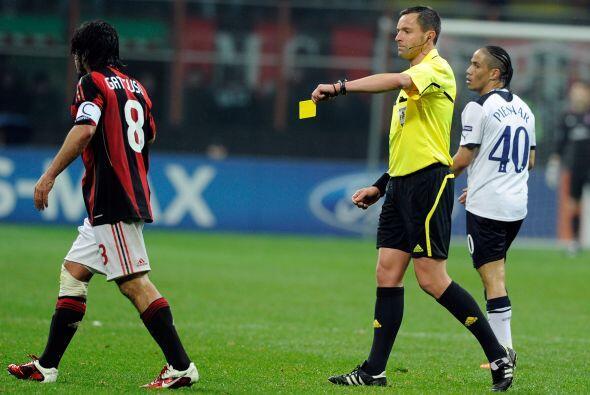 Lo cómico es que Gattuso sólo se ganó la tarjeta amarilla.