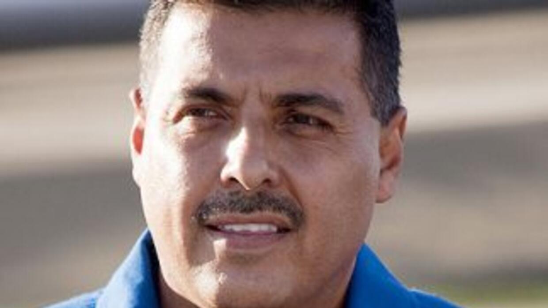 Respecto a si es más fácil llegar al espacio o al Congreso, José Hernánd...