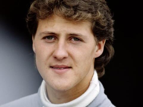 Michael Schumacher nació el el 3 de enero de 1969 en Hurt Hermuel...