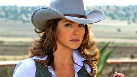 Lucero es Valentina Villalba en Soy tu Dueña.