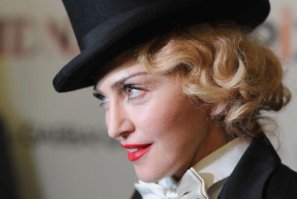 Por supuesto, Madonna, que hace de todo, igualmente debía escribi...