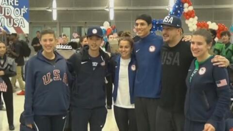 Atletas olímpicos originarios de Houston regresan triunfantes