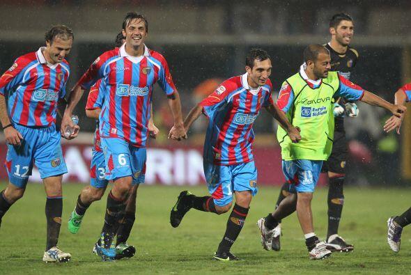 Al final fue fiesta para el Catania, 2 a 1 al Inter.