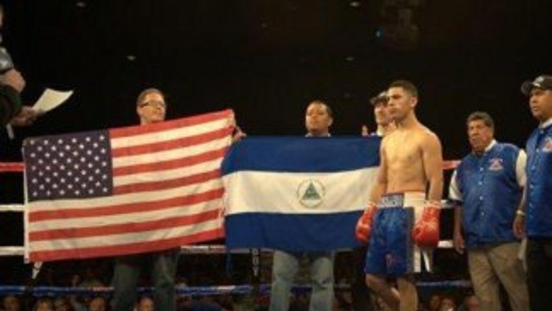 Randy Caballero conquistó el título gallo FIB.