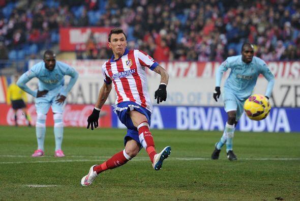 El croata Mario Mandzukic abrió el marcador con un potente tiro desde el...
