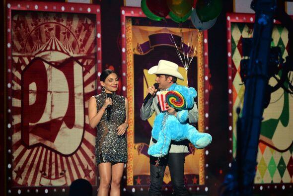 Ana Brenda y El Dasa se llevaron los aplausos en los Premios Juventud, g...