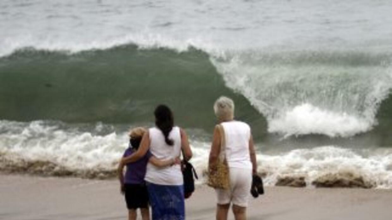 La tormenta tropical 'Emilia', que se encuentra en las costas mexicanas...