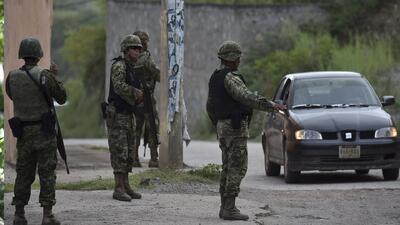 Soldados remataron a delincuentes en Tlatlaya con sus propias armas