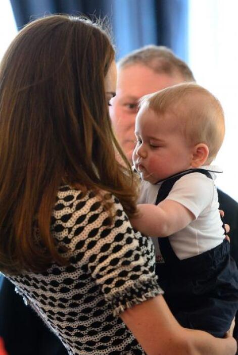 Según fuentes cercanas a la pareja real, tanto William como Kate tienen...