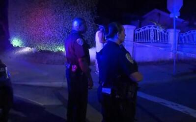 Agentes de policía en la zona donde se produjo el tiroteo.
