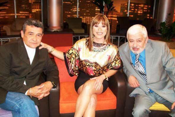 Armando le cuenta a Rosana y Jaime que pasó nueve horas viajando...