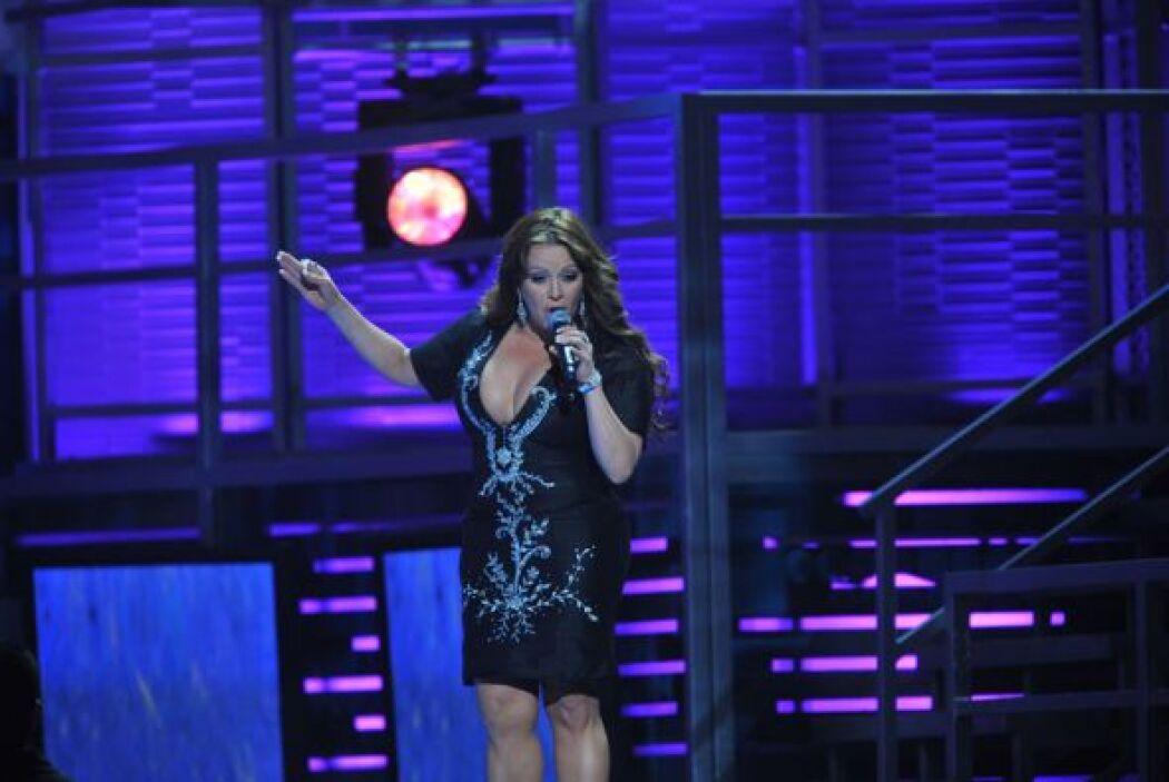 Jenni Rivera iluminó con su presencia el escenario de Latin GRAMMY 2008.