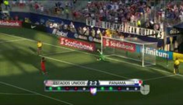 Goooolll!!! Harold Cummings anota su penalti para el Panamá