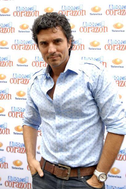 Este guapo actor lo tiene todo para robarse corazones a nivel mundial.