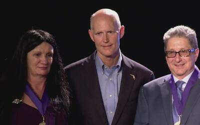 Gobernador Rick Scott entregó el Premio de la Libertad a dos disidentes...