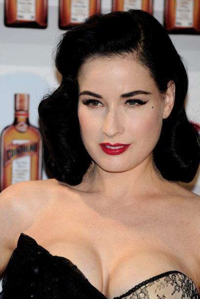Dita fue novia del cantante Marilyn Manson.