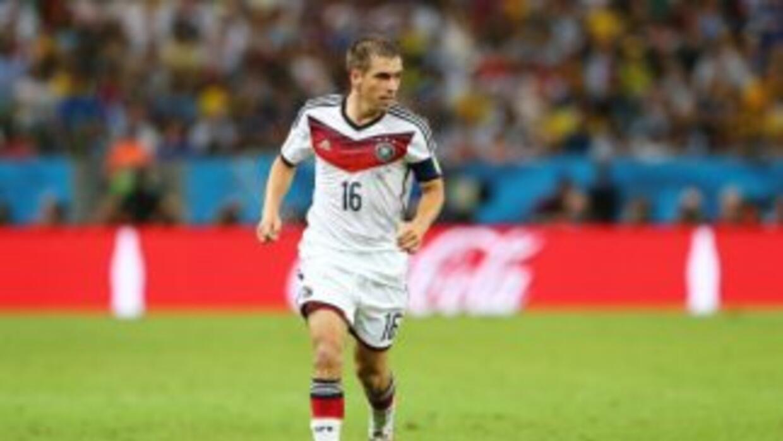 Philipp Lahm se retira en el tope de su carrera.