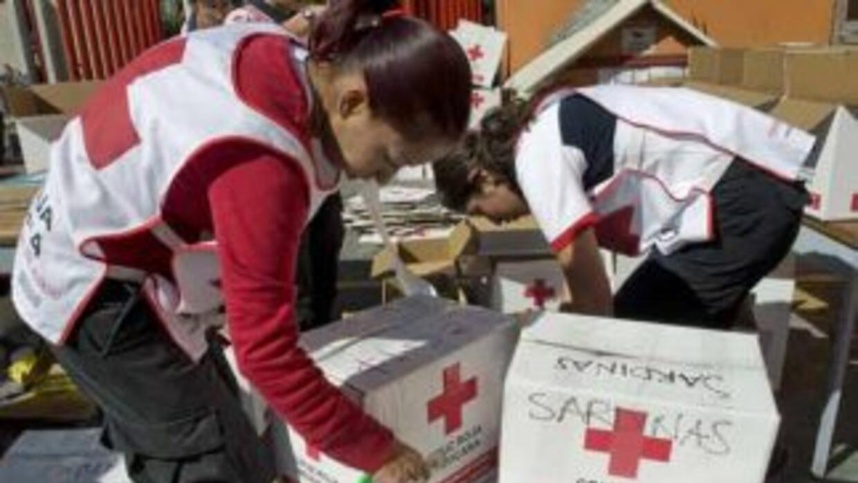 Usted puede ayudar a la Cruz Roja Americana a llevar auxilio a nuestros...