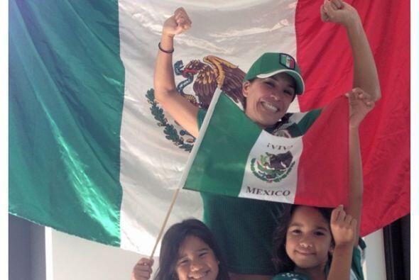 Karla Martínez, constante en expresar su apoyo a México. T...
