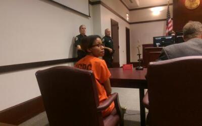 Ebony Wilkerson esperando por la decisión del juez este martes.