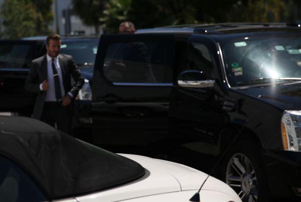 El futbolista visitó Newsport para platicar con el equipo de Univision N...