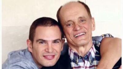 Julio Camejo le quiere cumplir el último deseo a su padre