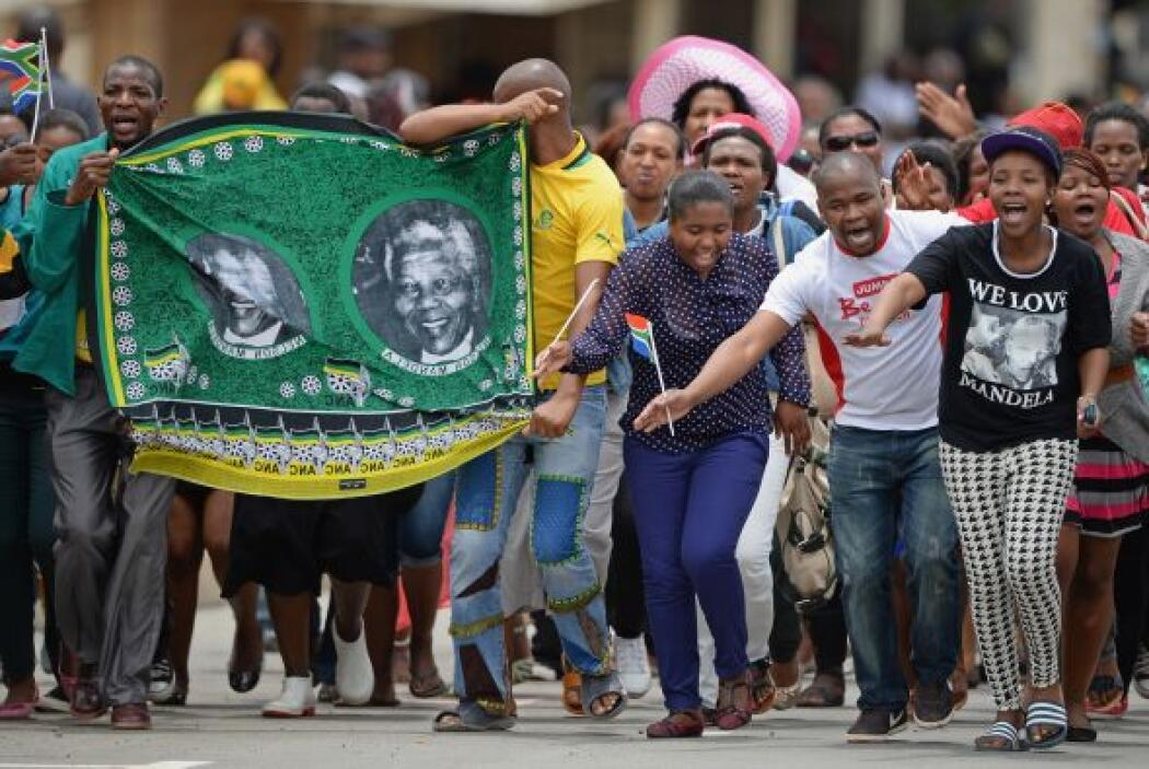 Mandela falleció el 5 de diciembre a los 95 años rodeado de su familia e...