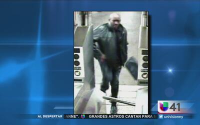 Buscan a sospechoso de robar a una anciana en una estación del metro en...