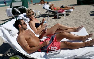 Redoblan seguridad en Miami Beach para la celebración del Día de los Caí...