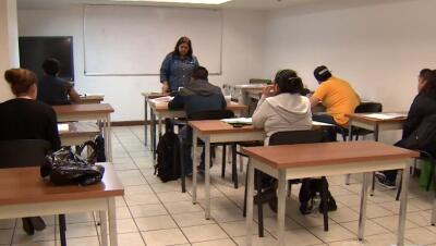 Ayuda en El Bronx para adultos que no saben leer ni escribir en español