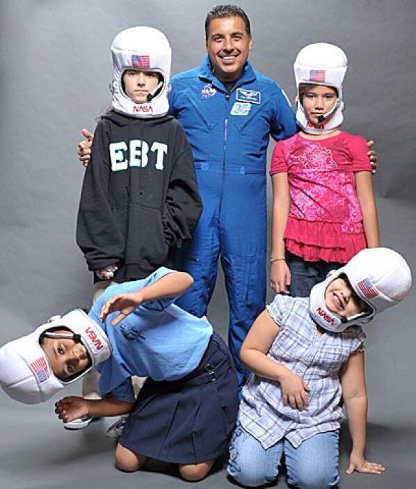 """¿Astronautas en potencia?""""Yo siempre he soñado ir al espacio"""", dijo Frid..."""
