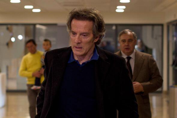 Esta imagen de su marido, Alfonso Díez, saliendo del hospital el día de...