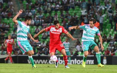 Santos mantiene su mal paso en el campeonato.