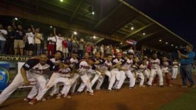 Los campeones defensores Bravos de Cidra consiguieron el domingo su octa...
