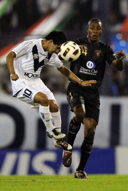 El árbitro paraguayo Carlos Amarilla ignoró dos claros penales en favor...