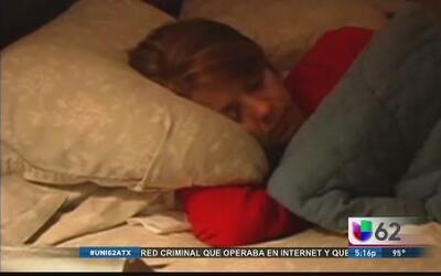 Estudio explica cómo dormir lo suficiente es beneficioso para el cerebro