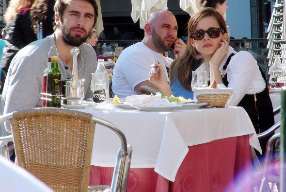 La pareja decidió salir a almorzar en la capital ibérica.Mira aquí los v...