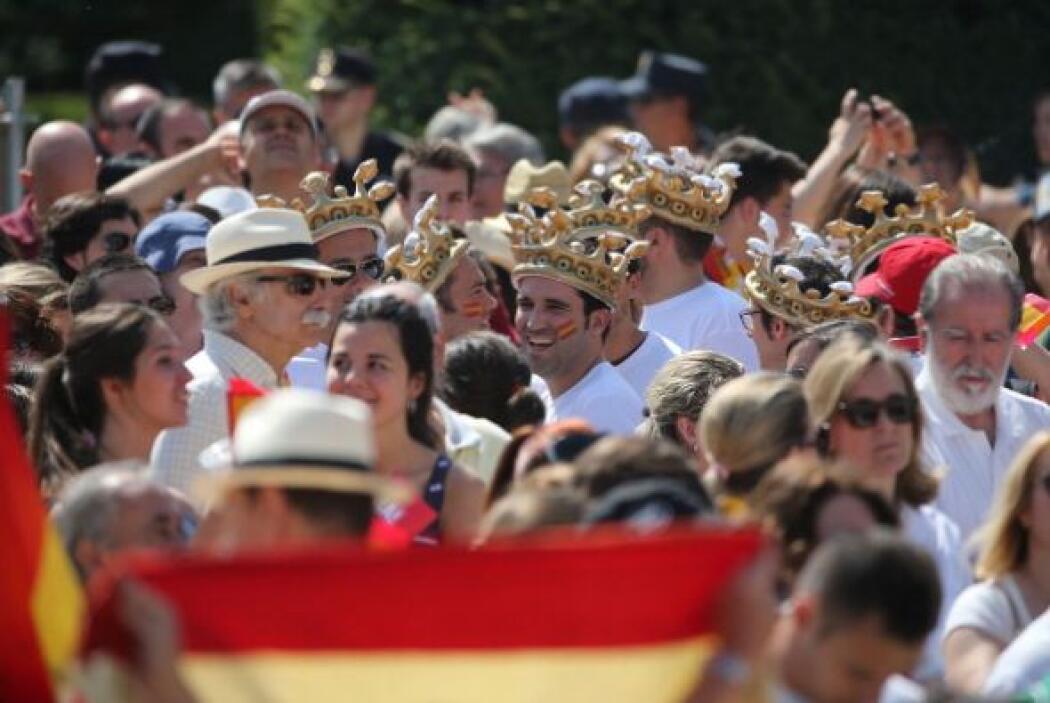 Donde los reyes presidieron una recepción con más de 2,000 invitados de...