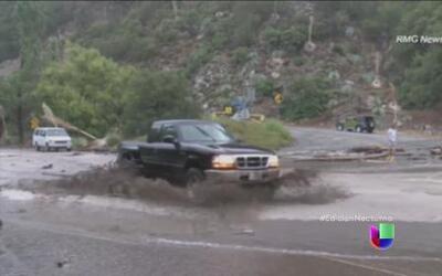 El mal tiempo le hace la vida difícil a los californianos