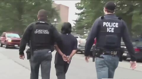 Propuesta de ley en Arizona busca que autoridades locales colaboren con ICE