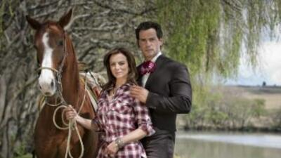 Silvia Navarro y Cristian de la Fuente protagonizan Amor Bravío.