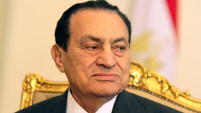Absuelven por asesinato y corrupción a expresidente Mubarak