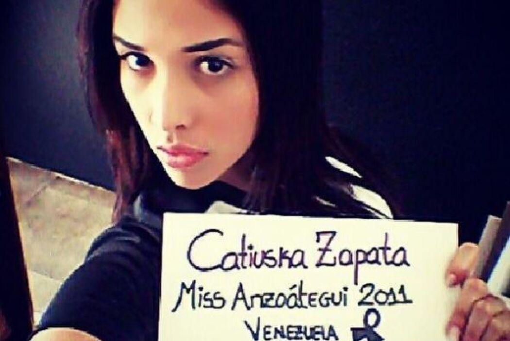 Catiuska Zapata, Miss Anzátegui 2011, pidió paz también. Fotografía toma...