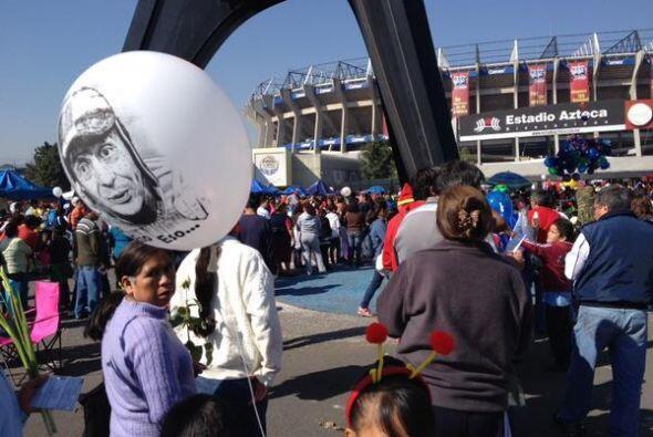 Miles de seguidores de Roberto Gómez Bolaños le hicieron honores al fall...