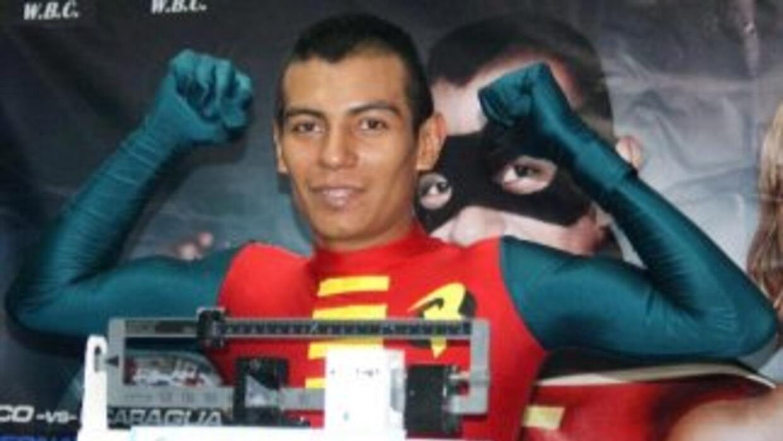 Robinson Castellanos le quitó lo invicto a Ronny Ríos (Foto: Boxeo de Ga...
