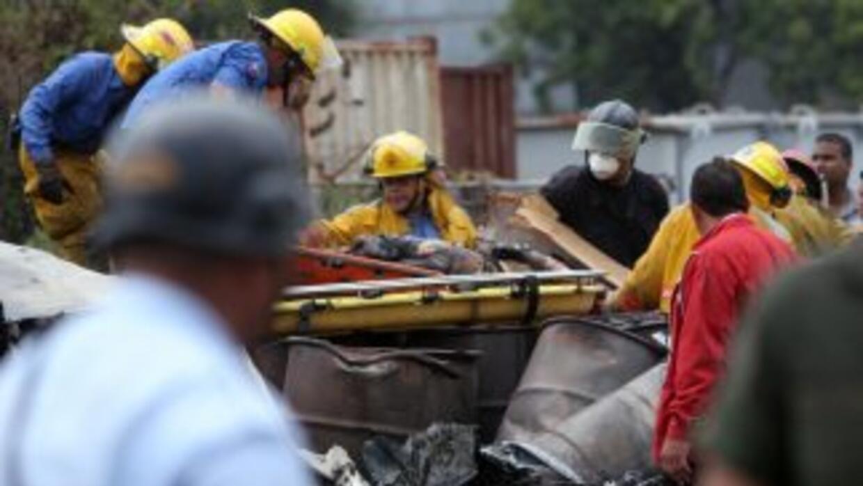 Al menos 14 muertos y una veintena de heridos dejó el jueves la colisión...