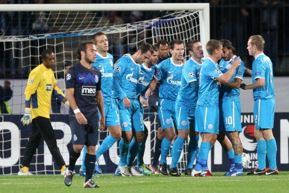 Finalmente, el Zenit ruso derrotó por 3-1 al Oporto.