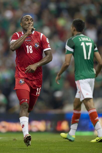 El Tri comenzó ganando el partido con un gol de Oribe Peralta quien era...