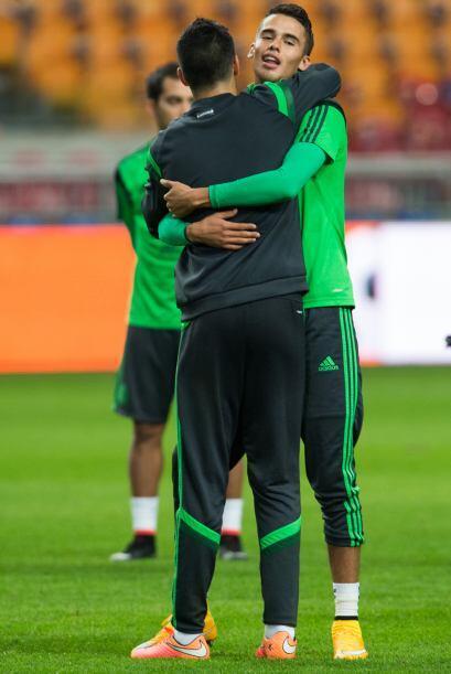 Diego Reyes y Raúl Jiménez se reencontraron en el equipo t...