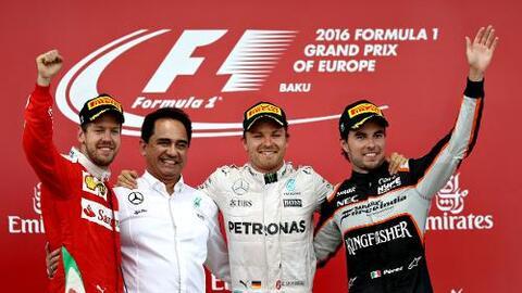 'Checo' Pérez logró agónico tercer lugar de un Gran Premio de Baku que g...